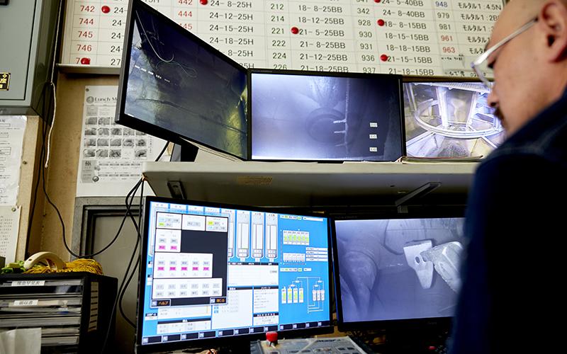 生コン部機械の稼働を監視するモニター