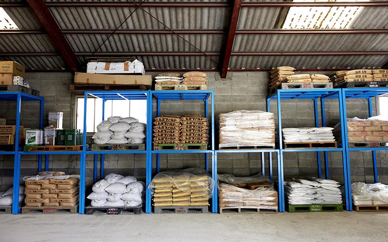 各種諸材料の置いてある倉庫